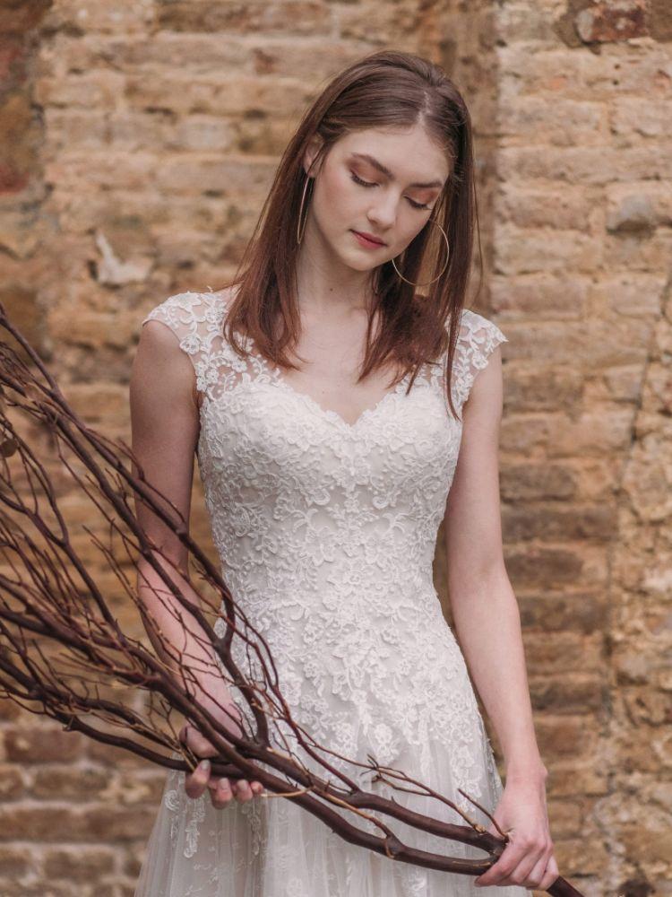 Bild 3 des Brautkleid Fara Sposa - #5809