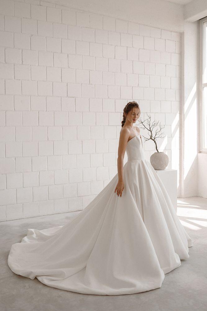 Bild 1 des Brautkleides maleika – bridal couture - Marlene