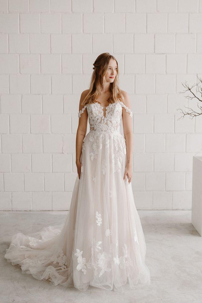 Bild 1 des Brautkleides maleika – bridal couture - Sophia