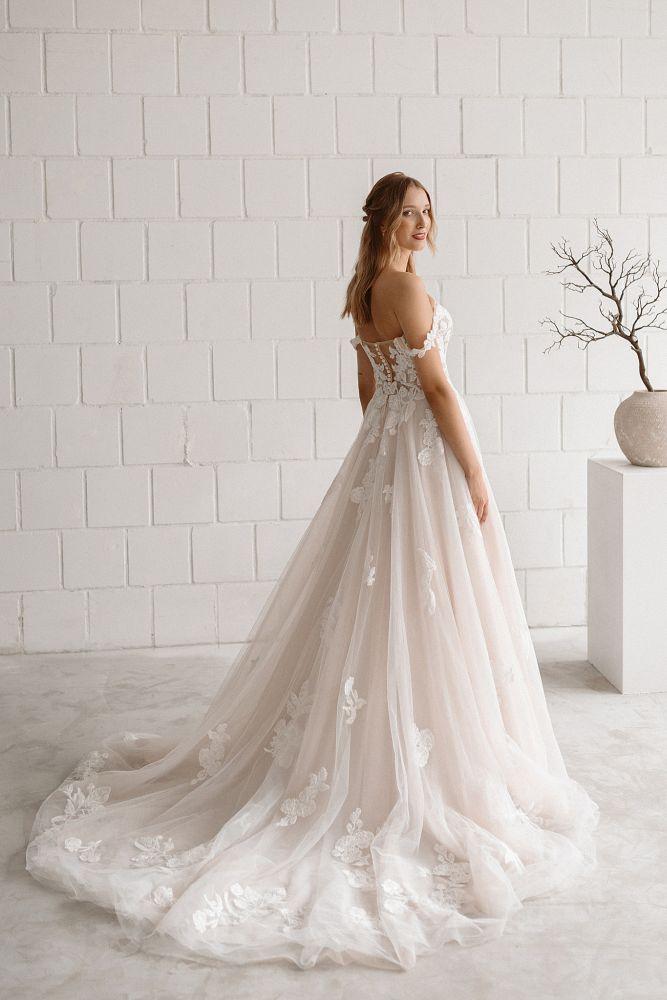 Bild 2 des Brautkleides maleika – bridal couture - Sophia